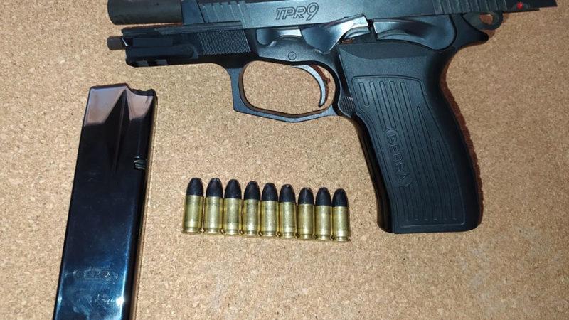 Patrulla Rural San Cayetano demoró a tres personas y secuestró pistola 9 milímetros