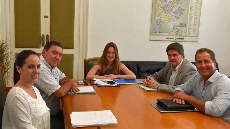 El Intendente Gargaglione fue recibido por la titular de educación