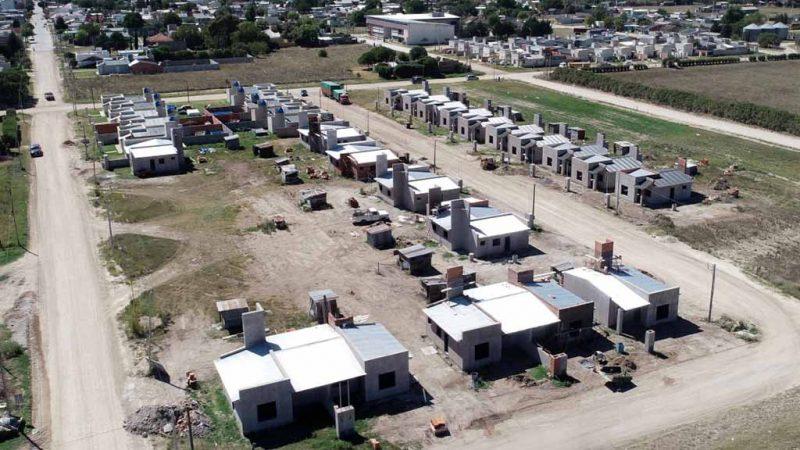 Adquisición de puertas para viviendas de la policía comunal