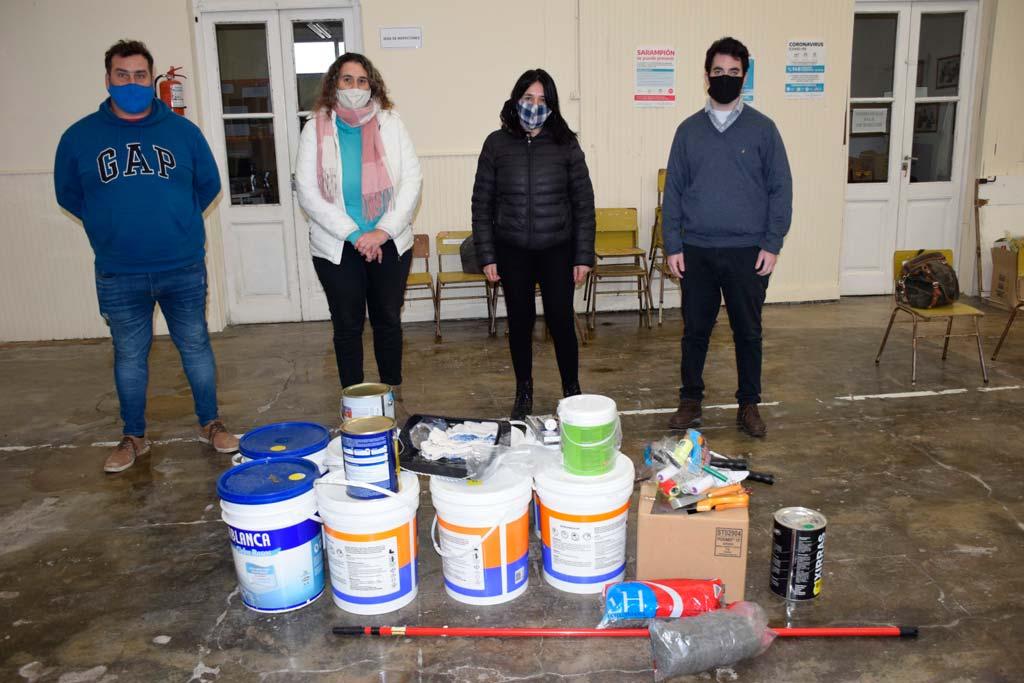 Consejo Escolar entregó material para pintar la Escuela de Educación Especial