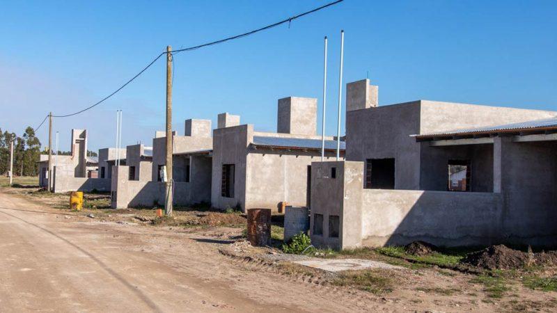 Nación depositó fondos del barrio 15 viviendas