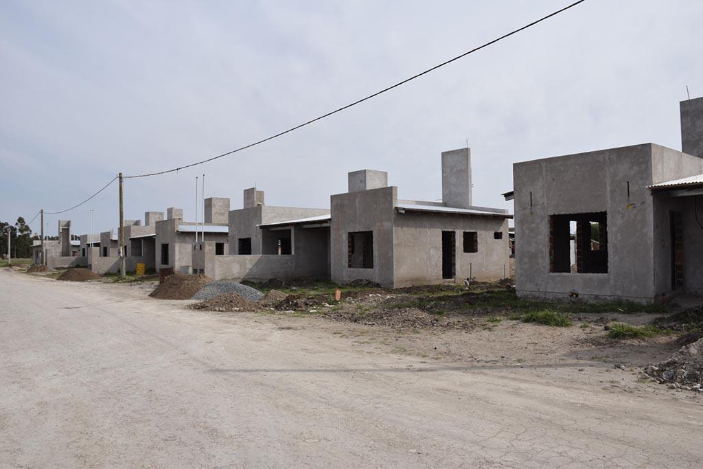 Nación depositó fondos del barrio 15 viviendas sociales