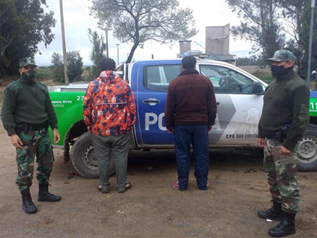 Detienen a dos masculinos por abigeato agravado in fraganti delito