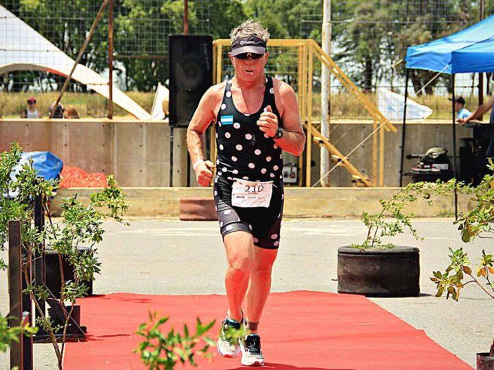 Se destacó Walter Martínez en la vuelta del triatlón en Junín