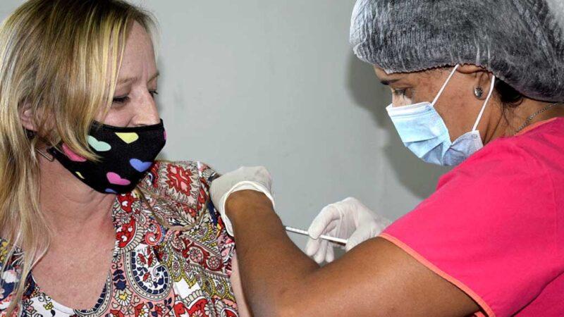 Arrancó el proceso de vacunación en el Hospital Municipal